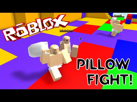 ROBLOX PILLOW FIGHT   JUST THE GIRLS   LASTIC, SALLY & AUDREY