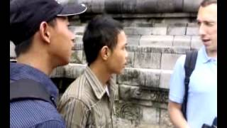 Study Speaking English with Spanish people In Borobudur temple