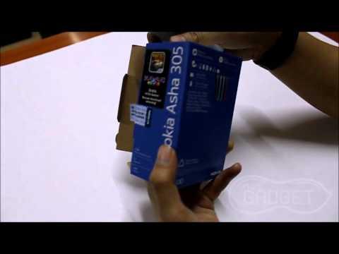 Unboxing Nokia Asha 305