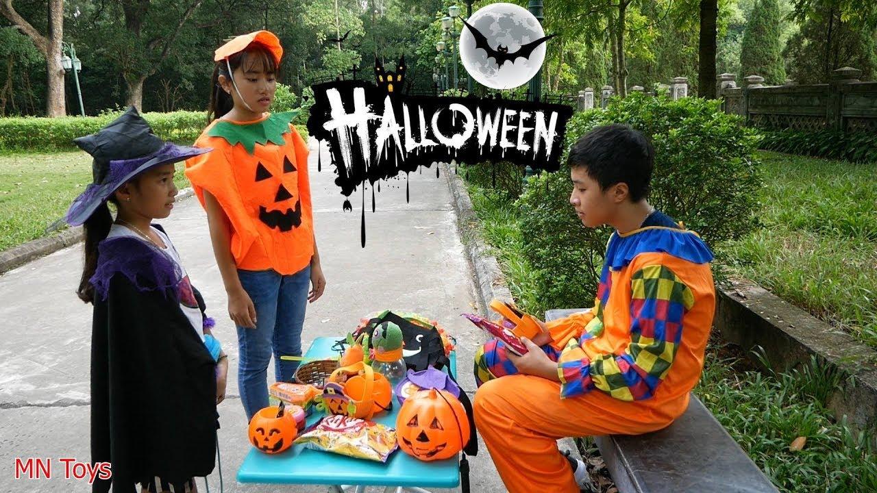 Trò Chơi Chú Hề Vui Vẻ Bán Hàng Đồ Chơi, Trang Phục và Kẹo Halloween Hubba Bubba - Mn Toys