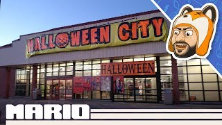 """Touring a Former Toys """"R"""" Us - Urban Exploration"""