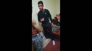 فضيحة قحبة مغربية يجدها اخوها بوضعية مخلة بالحياء و يضرب مغتصبها