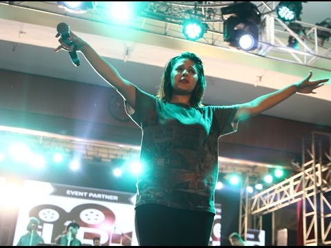 Shut Up and Bounce | Sunidhi on Floor | The Audience goes crazyyyy | Agon 2k16 | L R Productions