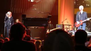 Lindsey Buckingham & Christine Mcvie - Lay Down For Free  June 23 2017 Nashville