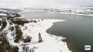 El pantano del Ebro nevado, a vista de dron