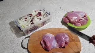 Мариную мясо индейки для завтрашней готовки