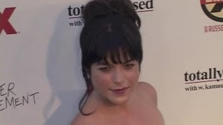 Selma Blair Fired From Anger Management After Feud With Charlie Sheen - Splash News | Splash News TV