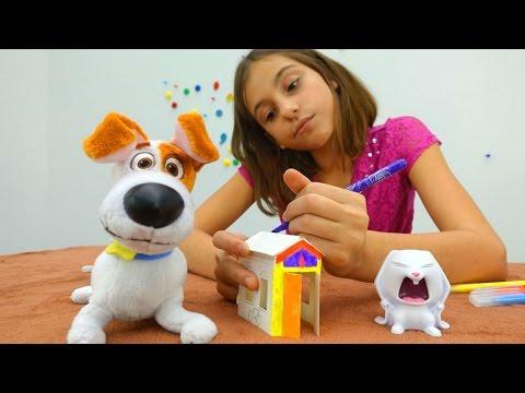 Смотреть Подружка Вика и ее игрушки. Домик для Макса поделки своими руками. Видео для детей с игрушками.