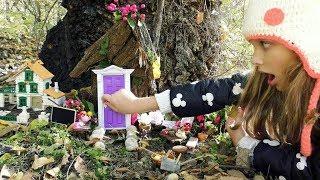 КАК Алиса  В СТРАНЕ ЧУДЕС ! КТО скрывается за МАЛЕНЬКОЙ Дверью? Видео для детей