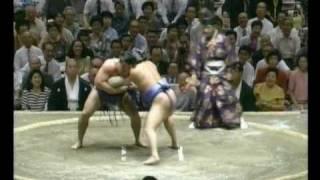Mainoumi vs. Tomonohana : Aki 1994 (舞の海 対 智ノ花)