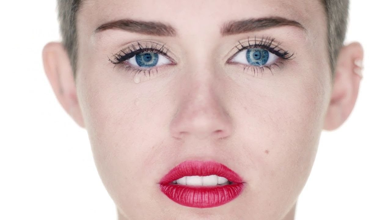 miley-cyrus-wrecking-ball-directors-cut-mileycyrusvevo