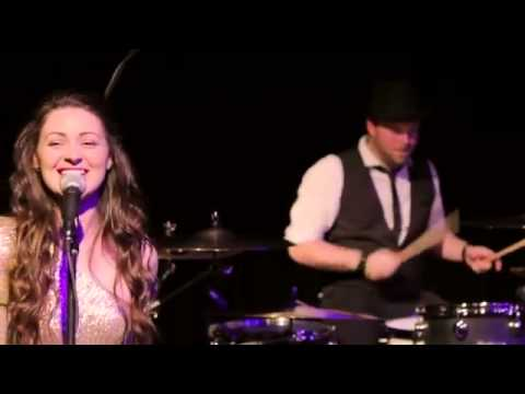 One Eye On The Wedding Cake - Soul Band, Cover Band, Party Band - Warble Entertainment