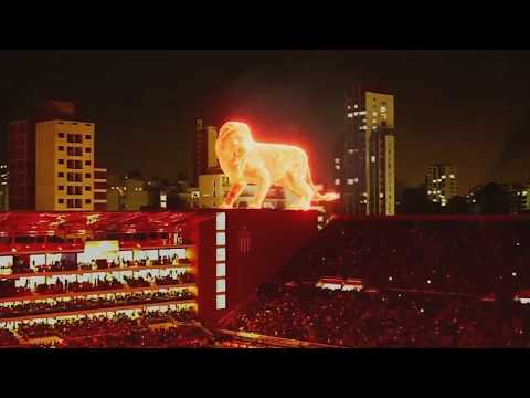 Un león de fuego en la inauguración del nuevo estadio de Estudiantes