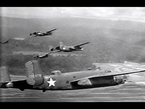 "How to Fly the North American B-25 ""Mitchell"" Medium Bomber (1944)"