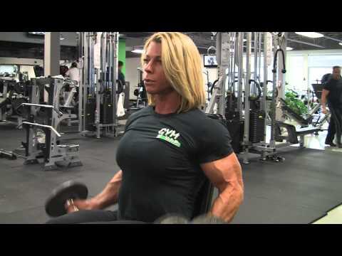 Training arms with Fabiola Boulanger IFBB Pro.wmv