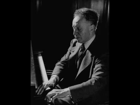 "Rubinstein plays Schumann Fantasiestücke, Op. 12, ""Aufschwung"""