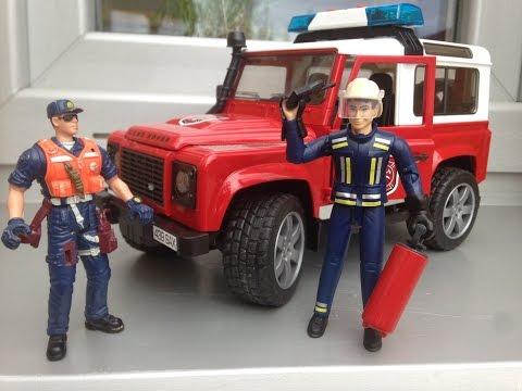 BRUDER TOYS 2016 NEW Fire Land Rover Defender