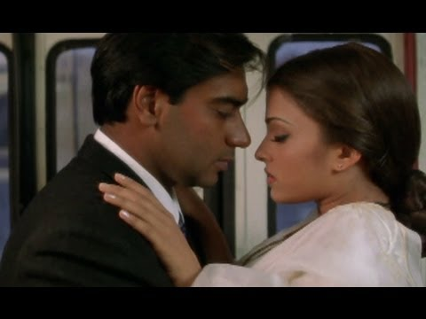 Aishwairya shows ways to save a ticket - Hum Dil De Chuke Sanam