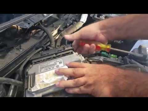 VOLKSWAGEN ECU / ECM REMOVAL / VW JETTA ECU COMPUTER LOCATION AND REMOVAL