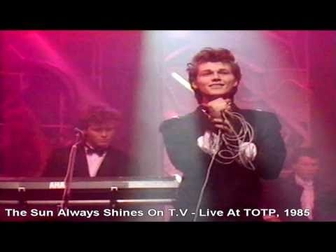 A-ha - The Sun Always Shines On T.V - Live At Totp, 1985 [HD]