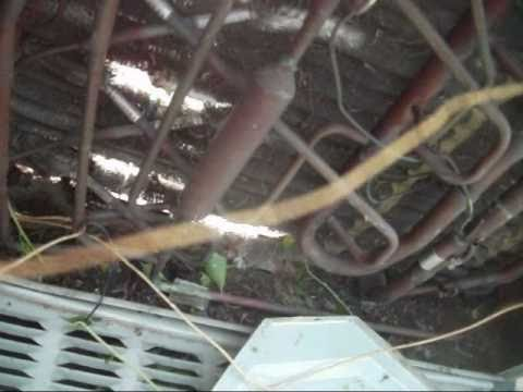 Tearing apart a 1998 Trane XE1000 Weathertron heat pump - YouTube