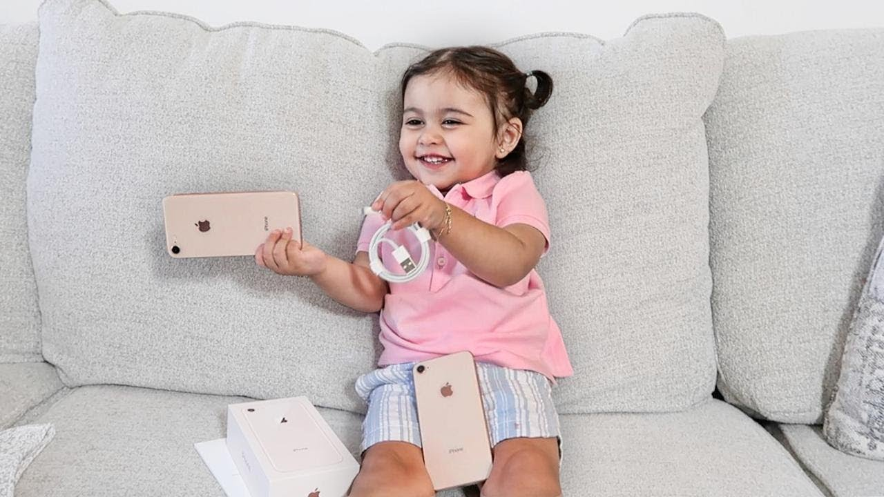 baby-unboxing-the-new-iphone-8