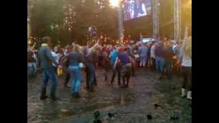 People dancing in mud (Positivus 2012)