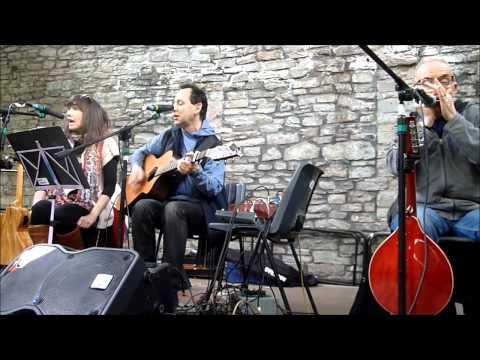Brecon Farmers Market Live Music: Cooper & Co