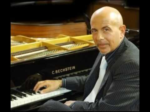 "Roberto Santucci Piano ""Angel of mine""  by Maria Nicander"