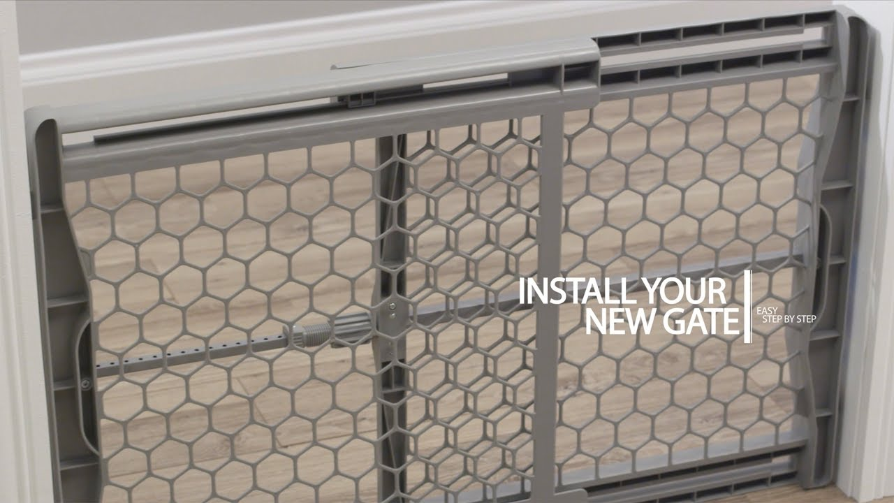 Regalo Baby Expandable Plastic Baby Gate Installation Youtube