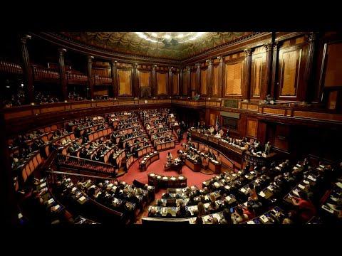 Italy senate delays no-confidence vote amid political crisis