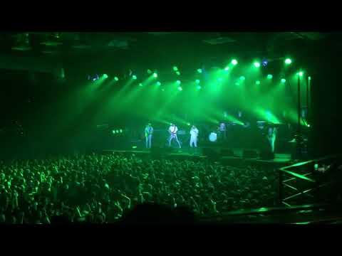Kasabian - Fire live in Saint-Petersburg (2017)