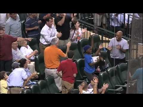 2012/06/28 Fan makes popcorn bucket catch