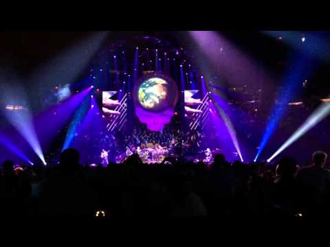 "Oteil Bass Solo in ""Eyes of the World"". Dead & Company at MSG. 10/31/15"