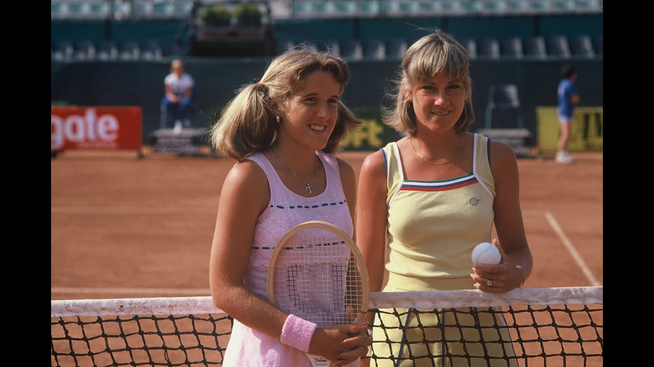 WTA Moments: Austin ends Evert's 125 match win streak on a single surface