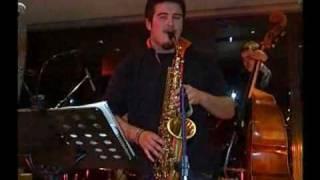 Spiros Nikas performing @ President Hotel Athens.flv