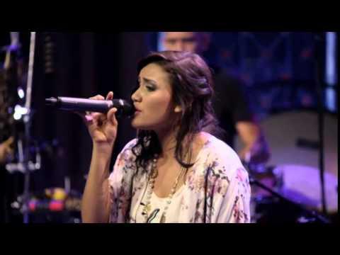 Epicentro live - Quiero volver (Melissa Romero)