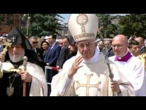 Папа Римский Франциск помолился в Гюмри