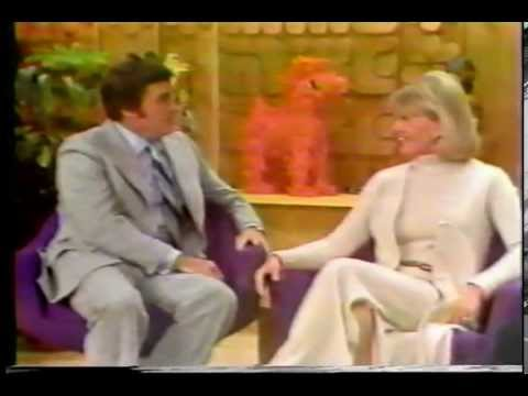 DORIS DAY - MIKE DOUGLAS TV INTERVIEW '75
