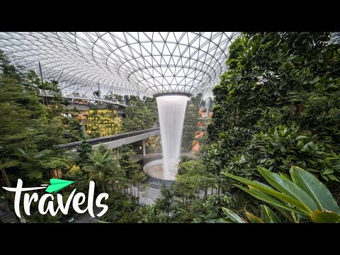 Top 10 Best Airports in the World 2021