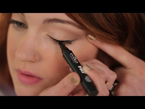 How To Apply Liquid Eyeliner For Beginners
