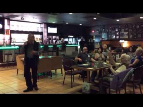 "Gerard Goossen karaoke version ""Shake Señora, Harry Belafonte"""