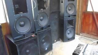 Test RCF L18p200n Top rh sound