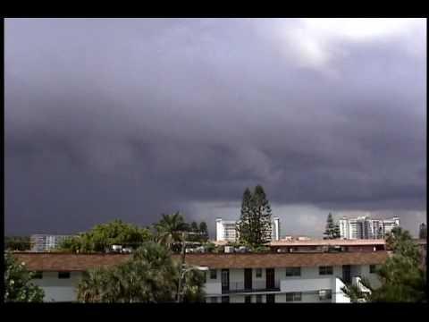 Threatening Thunderstorm In Miami! June 2001