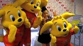 7月17日の静岡ダービー、2010Jリーグ特命PR部女子マネの足立梨花さんがアウトソーシングスタジアム日本平を訪問しました。 □Jリーグのホーム...