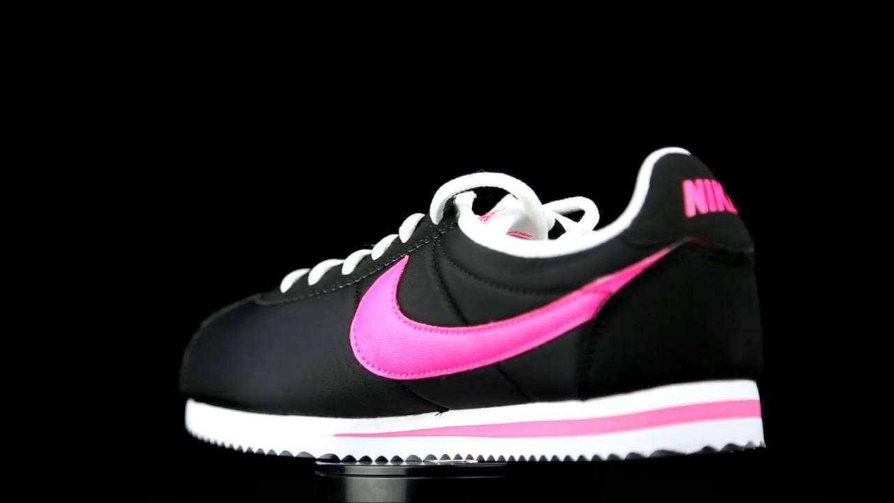 Nike Cortez Classic lona negro con detalles fucsia.