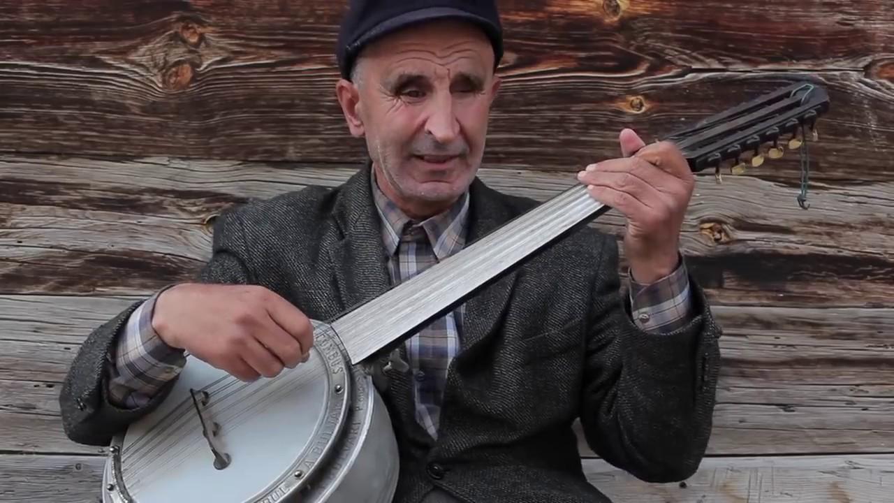 Bayhan - Sen'de Kalmış (Canlı Akustik Performans)