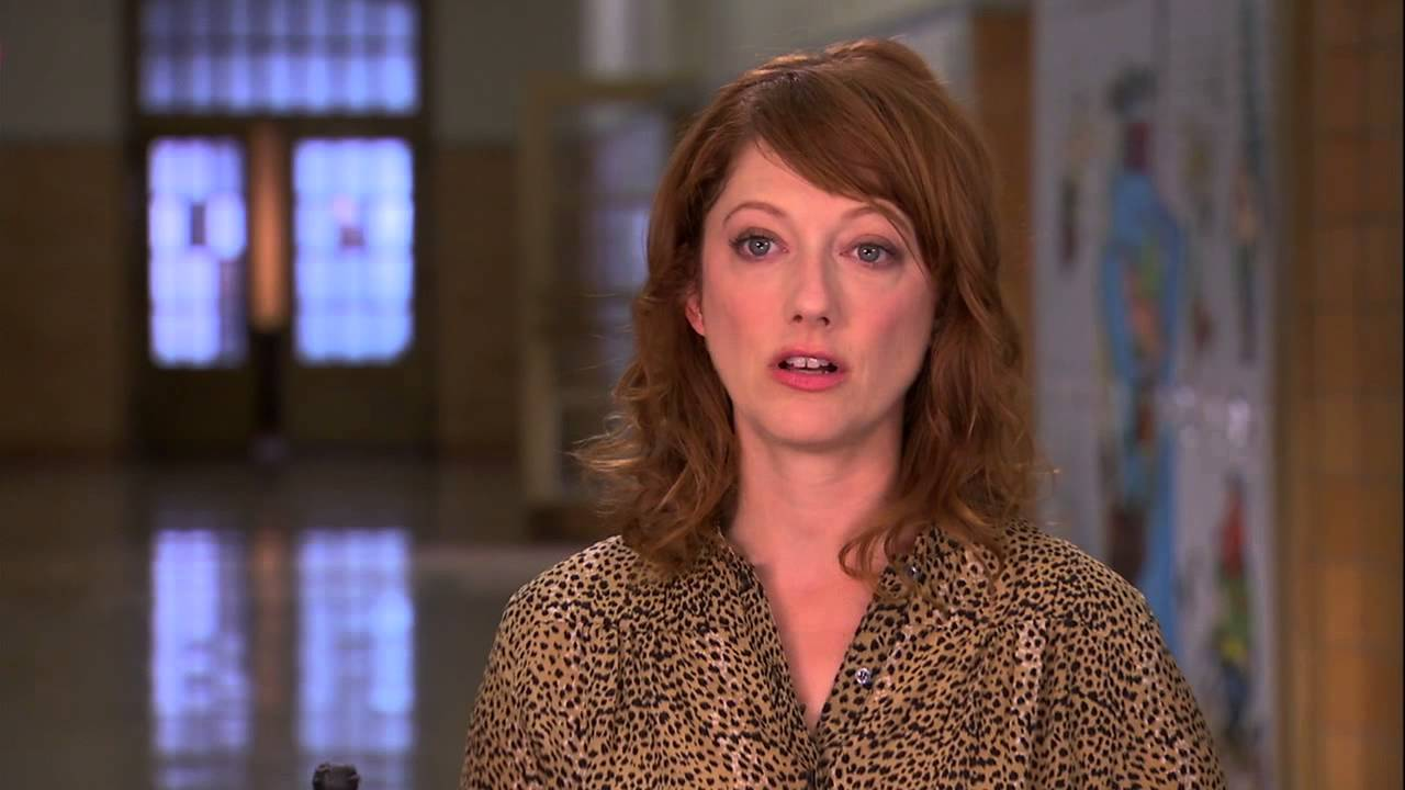 Carrie: Judy Greer On Set Movie Interview - YouTube