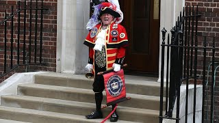 Watch Self-Appointed Town Crier Announce Birth of Royal Baby
