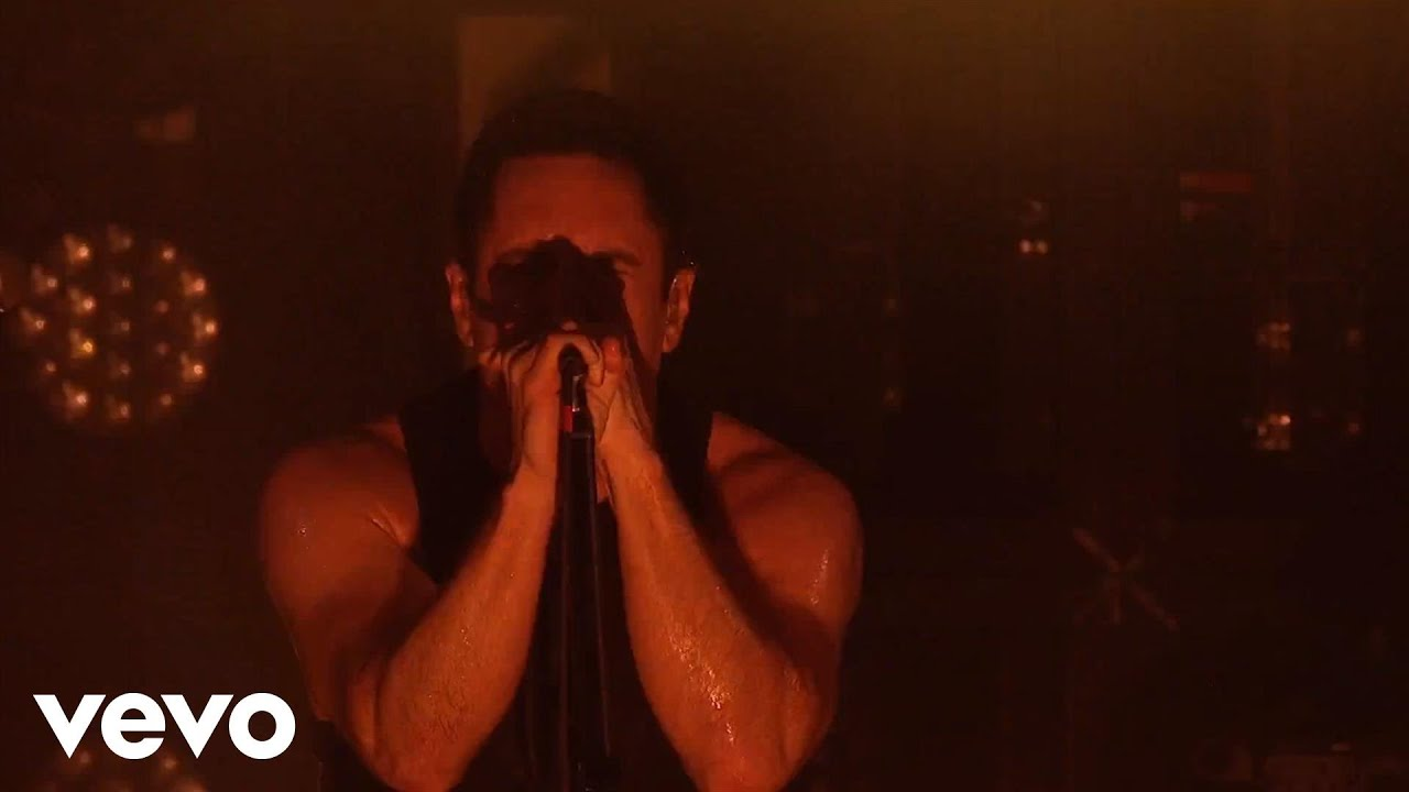 Nine Inch Nails - March Of The Pigs (VEVO Presents) - YouTube